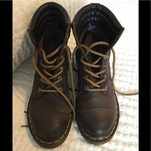 Doc Martens Alexandra heeled boot